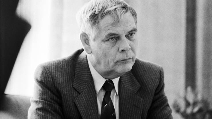 Hans-Rudolf Strasser, Informationschef des Eidgenössischen Militärdepartements, EMD, und Führungsmitglied der Geheimorganisation P-26, aufgenommen im Januar 1990.