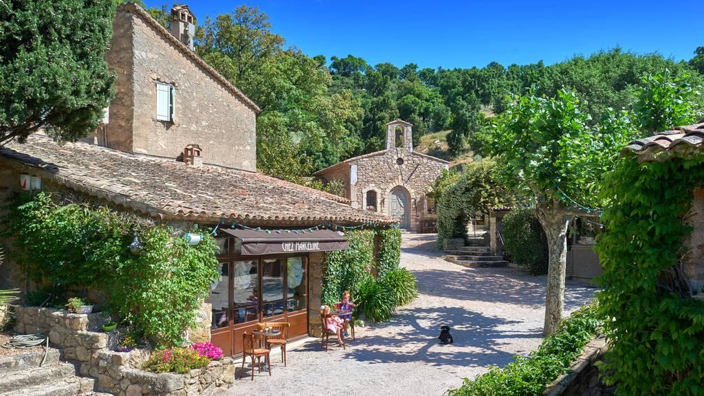 Wer will Johnny Depps französisches Dorf kaufen?