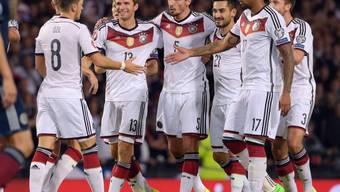 Thomas Müller lässt sich feiern