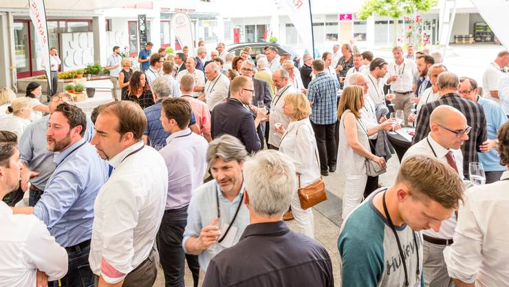 Rund 140 Gäste aus Wirtschaft, Politik und Kultur trafen sich am 20. Forum Wirtschaftsstandort Limmattal im Hotel Geroldswil.