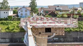 Die Bauarbeiten kommen zügig voran an der Habsburgbrücke. Das alte Widerlager ist freigelegt und abgebrochen worden.
