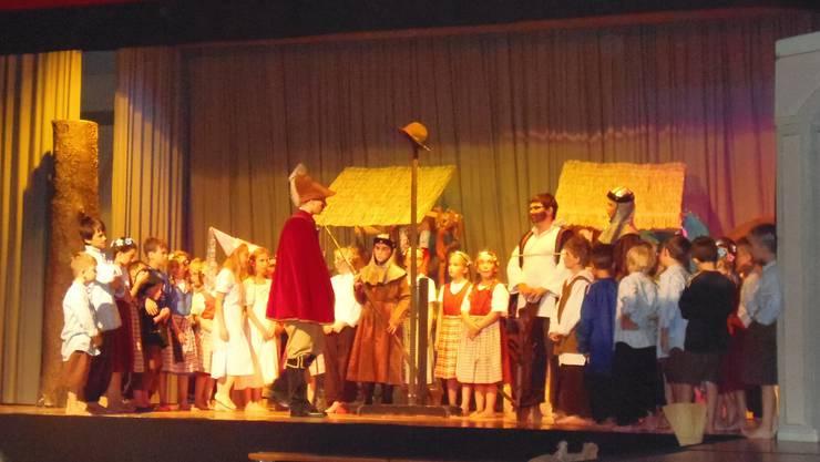 Szene aus der Aufführung der Bolkener Schüler.