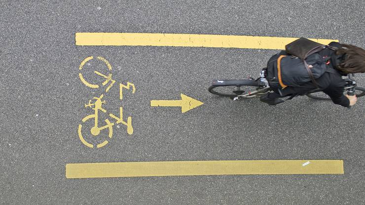 Grüne Politiker fordern mehr sichere Radwege in der Stadt Zürich.