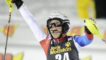 Wendy Holdener jubelt - im zweiten Lauf war nur Siegerin Mikaela Shiffrins schneller als die junge Schwyzerin