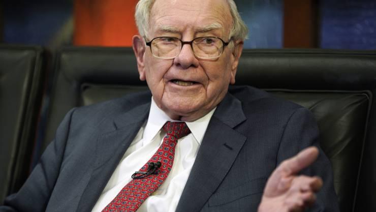 Mega-Abschreibungen belasten die Investmentholding des legendären Investors Warren Buffett. (Archivbild)