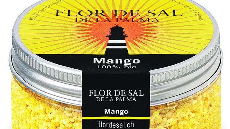 Farbige, mit natürlichen Zutaten aromatisierte Salze sind ein schöner Blickfang. Das Mango-Flor-de-Sal aus La Palma besteht zu 100 Prozent aus Bio-Zutaten (eine Dose à 70g für 14.50 Franken, bei flordesal.ch).