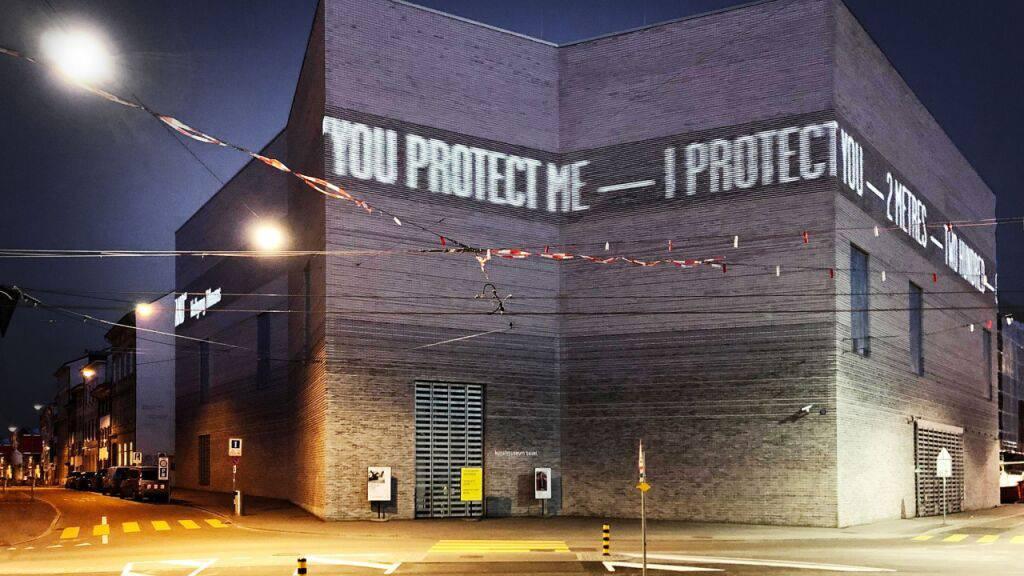 LED-Projekt von Wolfgang Tillmans an der Fassade des Kunstmuseums-Neubaus in Basel.