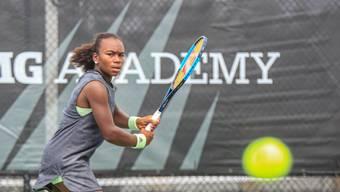 Trotz Coronakrise: Die 15-jährige Aargauerin Chelsea Fontenel hat im Training der IMG Academy in Florida den Ball im Fokus.