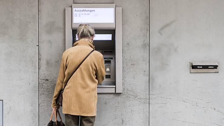 Die Rentenreform kostet auch die heutigen Rentner – nur ohne dass diese vom AHV-«Zustupf» von 70 Franken profitieren. (Symbolbild)
