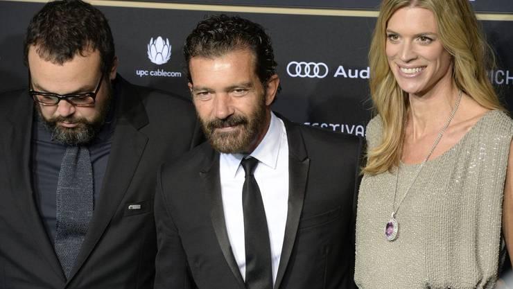 Direktorin Nadja Schildknecht mit Schauspieler Antonio Banderas (Mitte) und Gabe Ibanez.
