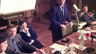 Die Basler Regierung 1997 mit Barbara Schneider, Hans Martin Tschudi, Veronica Schaller, Ueli Vischer, Jörg Schild, Stefan Cornaz und Ralph Lewin (v.l.). Key