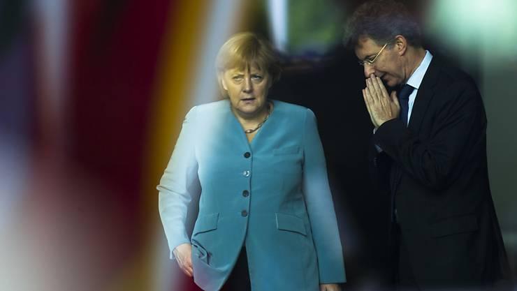 Der deutsche Botschafter bei den Vereinten Nationen, Christoph Heusgen, hier im Gespräch mit der Bundeskanzlerin Angela Merkel, setzt sich dafür ein, dass in der Frage des Libyen-Beauftragten endlich Bewegung kommt. (Archivbild)