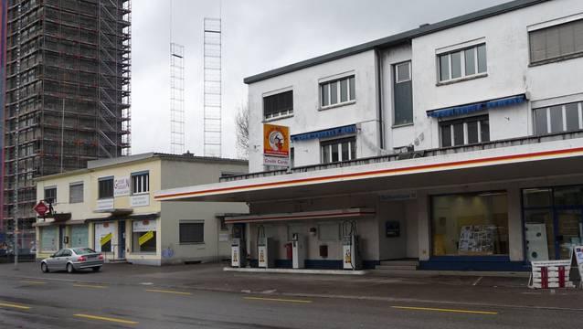 Die Liegenschaft Buchserstrasse 15/17 (links) wurde besetzt (Archivbild).