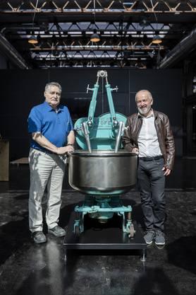 Robert Aeschbach, Nachfahre des einstigen Firmen-Patrons und Namensgebers des Industriequartiers (r.) mit Max Käser, ehemaliger Aeschbach-Mitarbeiter.