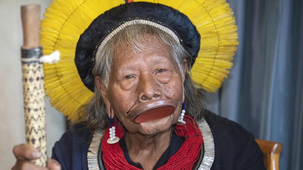 Indigener Häuptling Raoni aus Spital in Brasilien entlassen