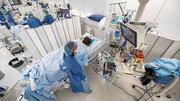 Das Universitätsspital Genf wurde zeitweise zu einem kompletten Covid-Spital.