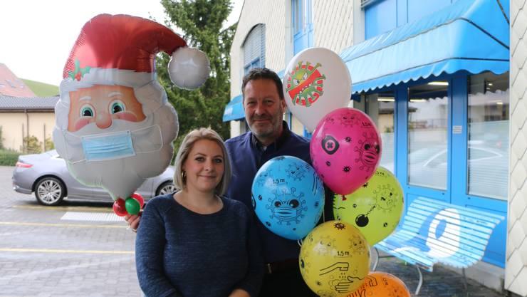 Verlieren trotz widriger Umstände nicht ihren Humor: Martin Müller und Annemarie Wirth von der Ballon Müller AG.
