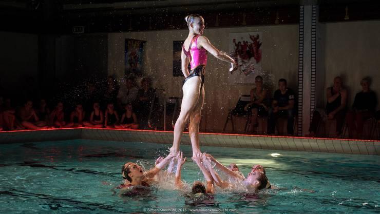 Die Solothurnerinnen Synchronschwimmerinnen hatten ein erfolgreiches Wochenende und wurden 6-fache Regionalmeisterinnen.