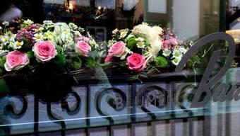 Die schön gestalteten Kreationen im Blumenladen
