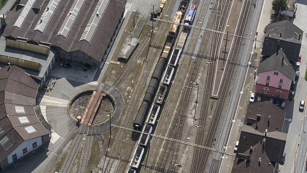 Räume für lose Zusammenarbeit in 80 Bahnhöfen bis 2030