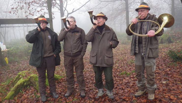 Jagdhornspiel ist Tradition und mit der Herbstjagd eng verbunden.