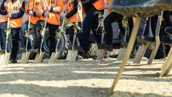 In Brugg war gerade Spatenstich - drei weitere Umfahrungen stehen noch in der Bau-Pipeline und sind noch nicht realisiert