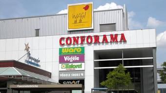 Leere Ladenlokale und Zersetzungserscheinungen setzen regionalen Einkaufszentren wie dem Schlieremer Wagi Shopping zu.