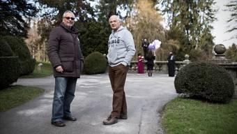 «Zu gefährlich»: Die beiden Riehener Einwohnerräte Peter A. Vogt (SVP, links) und Alfred Merz (EVP) sind gegen eine Öffnung des Wenkenparks für Velofahrer.