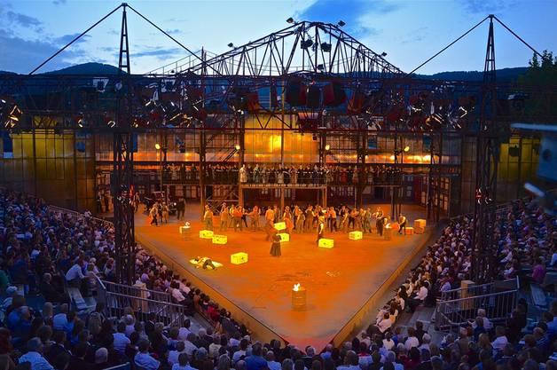 Die Inszenierung von Verdis «Il Trovatore».