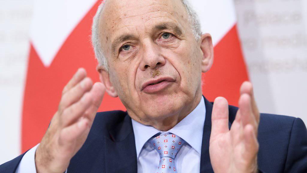 Laut Bundesrat Ueli Maurer hätte die Eidgenossenschaft rund eine Milliarde Franken in die Ausrichtung der Olympischen Winterspiele (Sion 2026) investiert. Das werde mit dem Nein der Walliser Bevölkerung hinfällig.