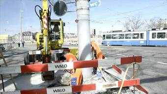 In der Nacht nach dem Sechseläuten begannen in Zürich die Bauarbeiten zur Sanierung des Bellevues und der Quaibrücke.