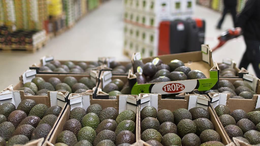 Kühne+Nagel transportiert neu Avocados aus Kolumbien nach Dubai. (Symbolbild)