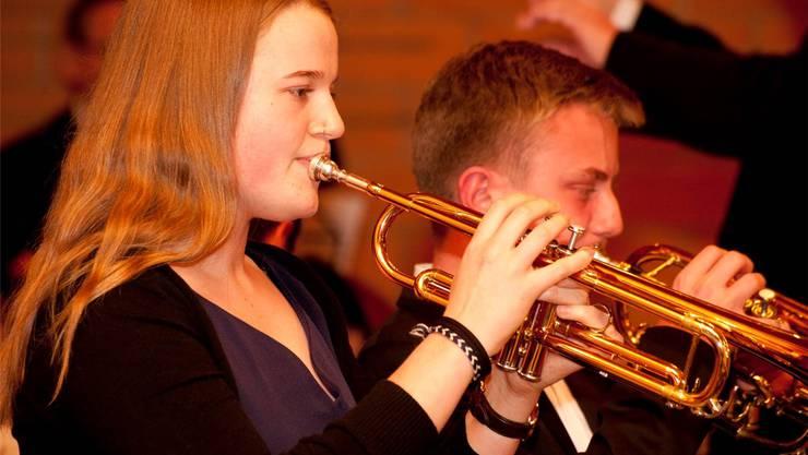 Die beiden Solisten Paula Tepasse und Andreas Kaiser brillierten.