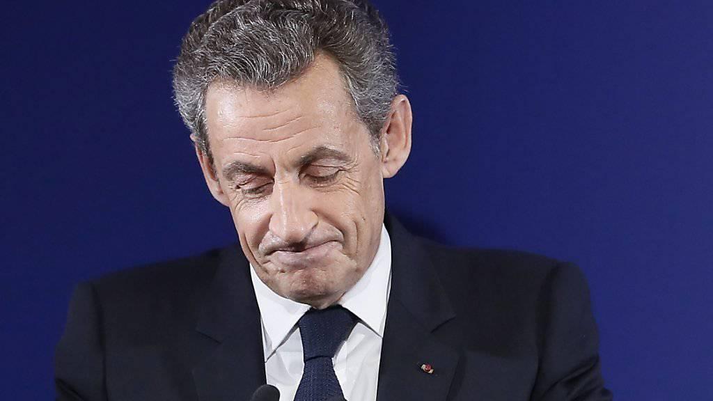 Frankreichs Ex-Präsident Nicolas Sarkozy hat im Ringen um die Präsidentschaftskandidatur des Präsidentschaftskandidat François Fillon ein Krisentreffen vorgeschlagen.