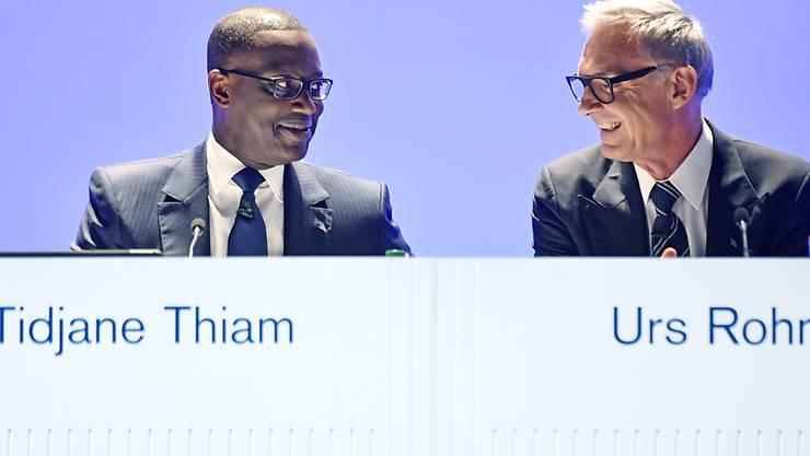 Die Führungsspitze der Grossbank Credit Suisse um Verwaltungsratspräsident Urs Rohner (rechts) und Konzernchef Tidjane Thiam (links) müssen sich um ihre Aktivitäten in den USA kümmern. (Archivbild)
