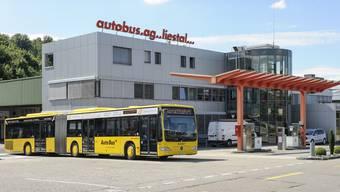 Die Infrastruktur wie Busgarage und Werkstatt, auf die sich die AAGL öffentlicher Verkehr AG stützt, gehört nicht ihr, sondern sie muss sie von ihrem Schwesterunternehmen AAGL Dienstleistungen AG zu für die Öffentlichkeit nicht transparenten Preisen mieten.