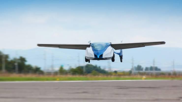 1,3 Millionen Dollar. Für diesen Betrag kann man das AeroMobil vorbestellen. Ausgeliefert wird es aber frühestens 2020.
