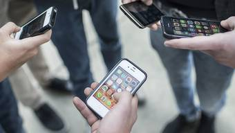 Das Weiterverbreiten intimer Fotos oder Videos nimmt zu. Der Ständerat erachtet die bestehende Strafnorm allerdings als genügend, um gegen das sogenannte Sexting vorzugehen.