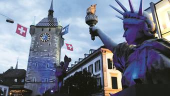 Zwischen Urbanität und Lokalkolorit: Feststimmung rund um den Stadtturm an der Badenfahrt 2007. Alex Spichale