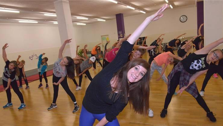 Denise Döbeli ist der Kopf hinter «Move in Arts», einer Tanzgruppe aus dem Baselbiet, die bei Meisterschaften regelmässig Medaillen abräumt.