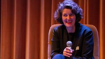 «Wir glauben, dass wir alle nicht rassistisch sind.» Lelia Hunziker hält im Royal ihre Abschiedsrede.