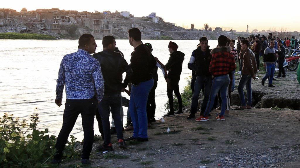 Tragödie auf dem Tigris - Rund 100 Tote bei Fährunglück im Nordirak