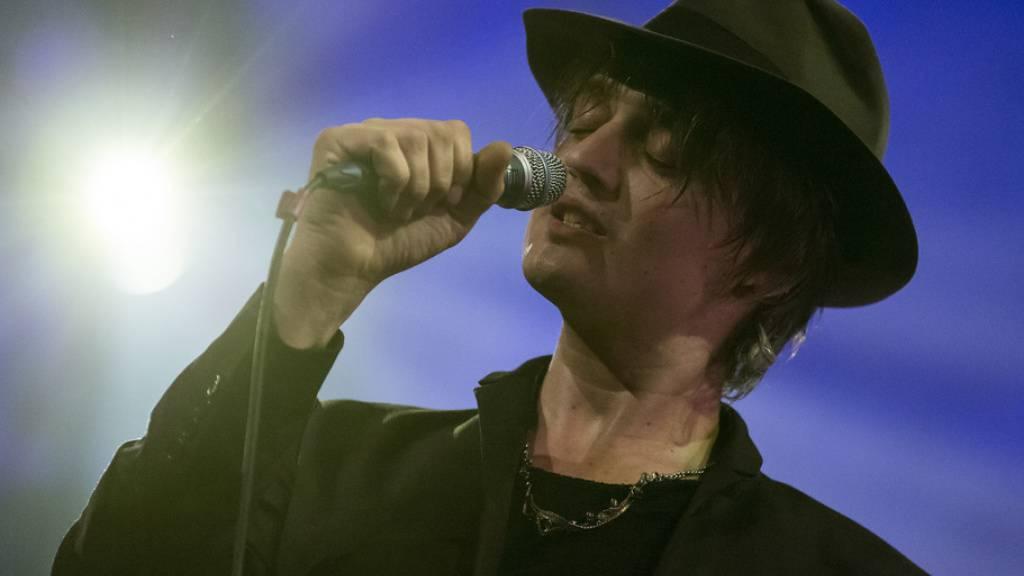 Pete Doherty, Sänger der Indie-Bands Babyshambles und The Libertines, ist schon verschiedentlich wegen Drogen negativ aufgefallen. Jetzt wurde der Brite in Paris wegen Kokain festgenommen. (Archivbild)