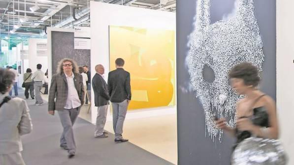 Zweiklassengesellschaft: Mittelgrosse Galerien können sich den Messestand an der Art Basel nicht mehr leisten.