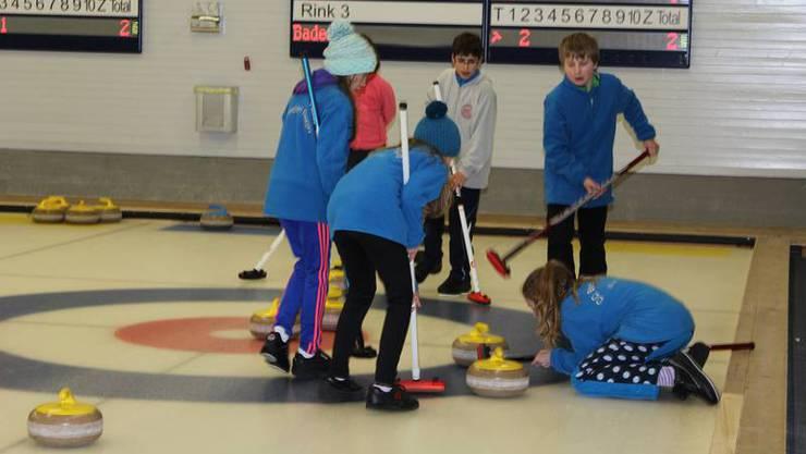 Grosser Einsatz bei Curlingturnier des Curling Clubs Limmattal in Urdorf.