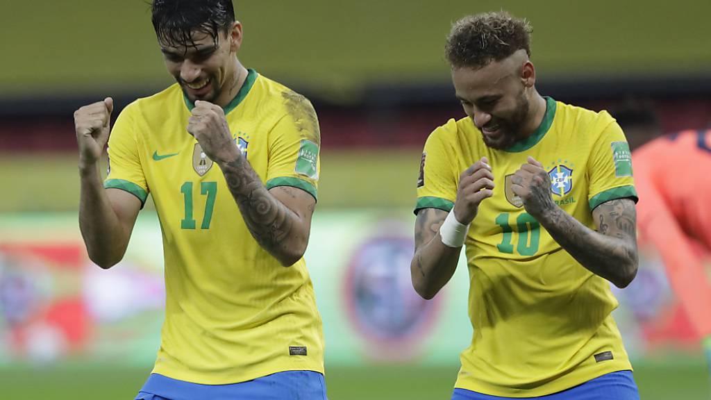Lucas Paqueta und Neymar setzen nach dem 2:0 in der Nachspielzeit zum Tänzchen an