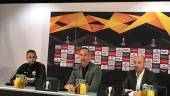 Trainer Adi Hütter und der Schweizer Djibril Sow geben vor dem Spiel gegen Basel Auskunft.
