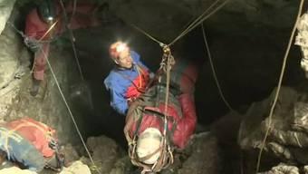 Die letzten Meter der Rettungsaktion in der Riesending-Höhle