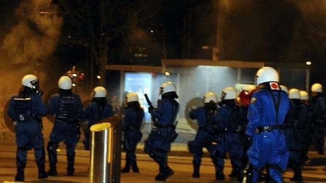 Zürcher Stadtpolizisten griffen zu Reizgas und Gummischrot (Archiv)