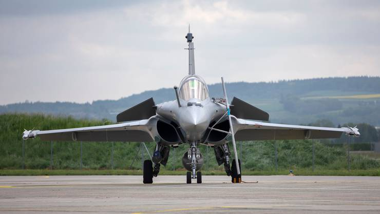 Wie viele Gegengeschäfte sollen es denn sein? Ein Rafale, möglicher neuer Schweizer Kampfjet, bei den Tests dieses Jahr in Payerne. (KEYSTONE/Peter Klaunzer)